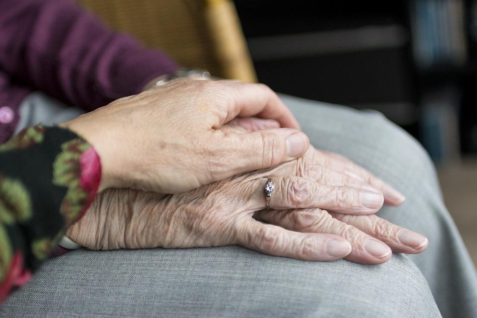 Private senior living housing supply